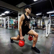 My friend is a lean man who has gained muscle for three years, share my experience